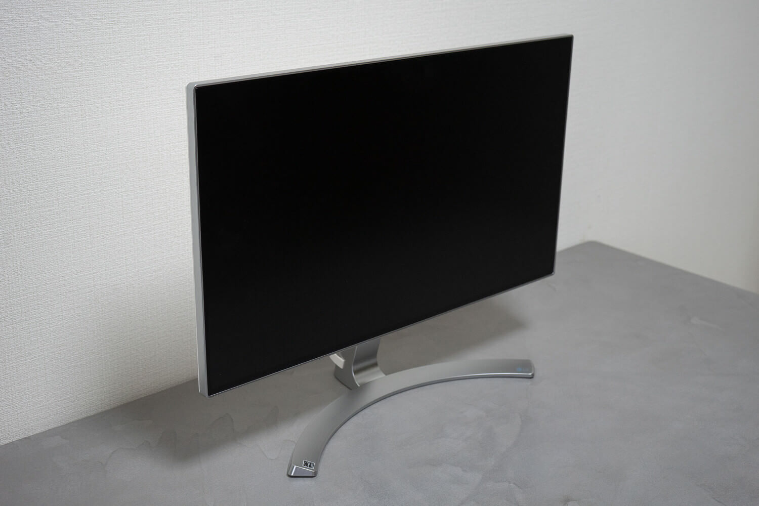 190103 lg display 24mp88 3