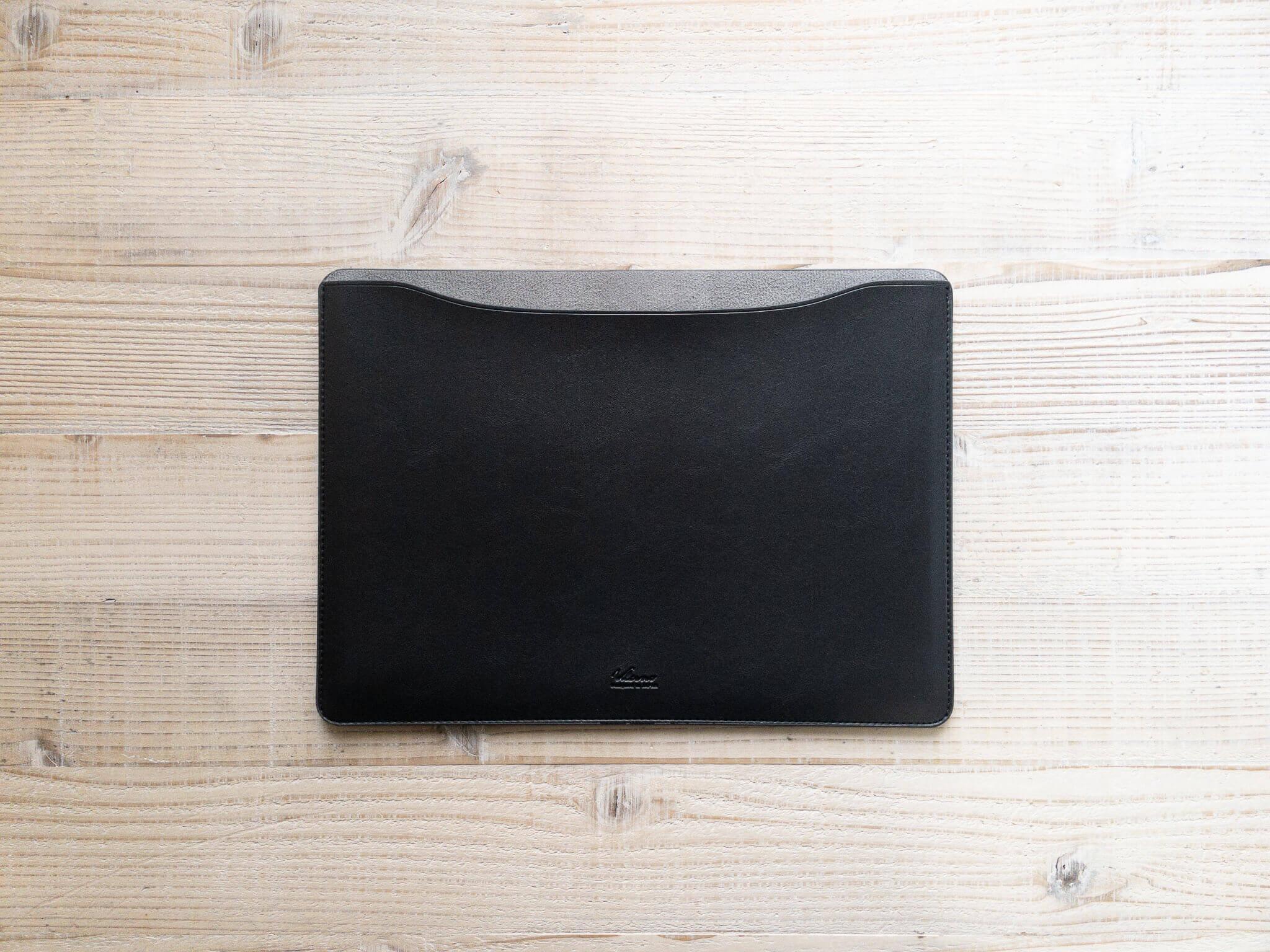 210227 leather sleeve 1